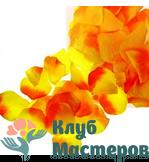 Лепестки роз желто оранжевые